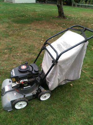 Craftsman 5 hp chipper/vac, and leaf blower for Sale in Canton, OH