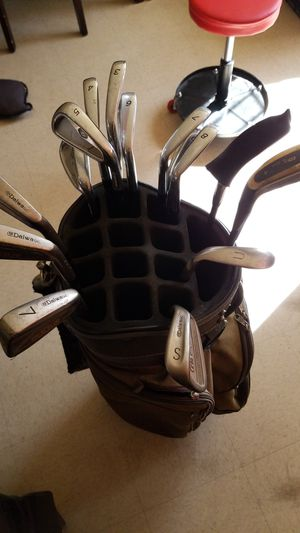 Golf club set with bag and all clubs included for Sale in Los Angeles, CA