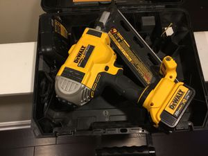 20 v XR framing nail gun for Sale in Manassas Park, VA