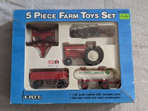 ERTL 1/32 metal die cast 5pc farm set 1988, collectible. for Sale in San Diego, CA