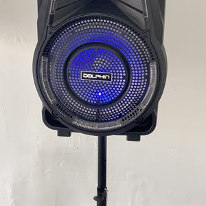 2700 watts Rechargeble speaker. Bluetooth. FM Radio. Stand and microphone included. Wheels. Connect two together wirelessly. Nuevos en caja. for Sale in Hialeah, FL
