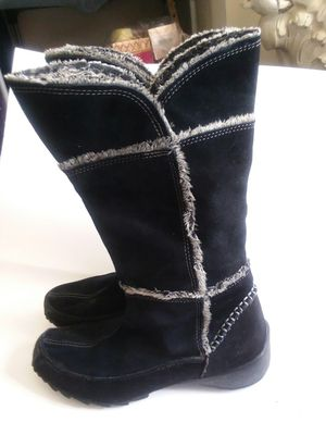 SPORTO SUEDE AND FUR BOOTS for Sale in Wilmington, DE