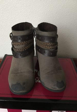 Girls boots for Sale in West Richland, WA