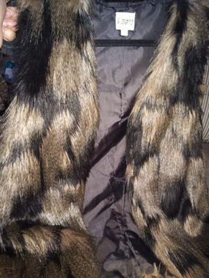 Black & Brown size (M) fur Vest for Sale in Stone Mountain, GA