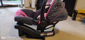 GRACO SNUGRID 30 , INFANT CAR SEAT for Sale in Columbus, OH