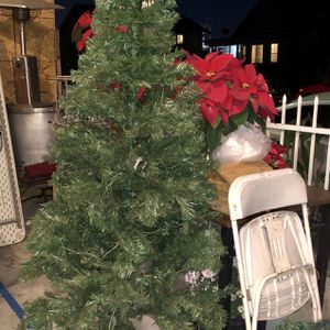 Christmas Tree With Lights for Sale in Los Angeles, CA