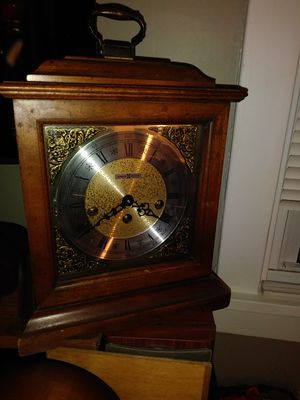 Antique Howard Miller Mantle Clock for Sale in Mason, OH