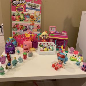 Lot Of 30 Shopkins, 2 Shopkins Dolls, Shopkins Grocery Counter And 2 Books for Sale in Chicago, IL