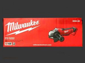 Milwaukee M18 18-Volt Lithium-Ion Cordless 4-1/2 in. Grinder for Sale in Aberdeen, WA