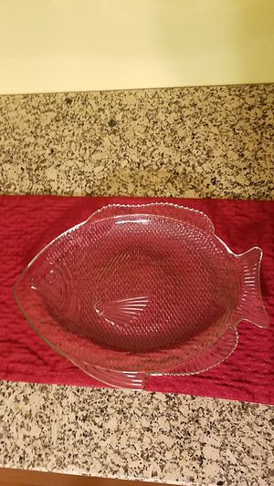 Vintage Collectible Pressed Clear Glass Fish-shaped Serving Platter for Sale in Bethlehem, PA