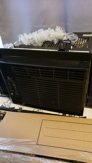 Window mounted AC 5100 BTU for Sale in Wellsville, PA