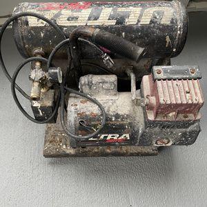 Thomas Air Compressor 2HP for Sale in Homestead, FL