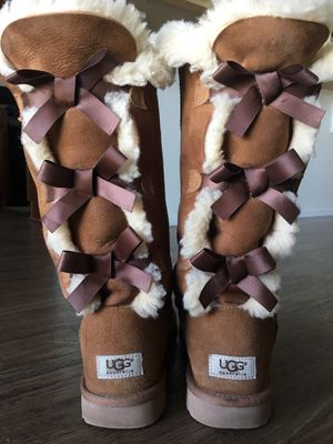 Ugg boots size 9 for Sale in Fort Lupton, CO