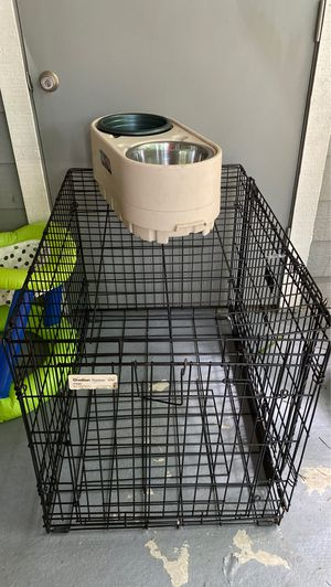 Double door kennel with food bowl for Sale in Smyrna, GA