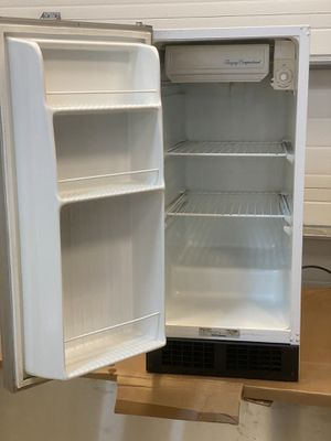 15 inch Scotsman refrigerator with small freezer for Sale in Fort Myers, FL
