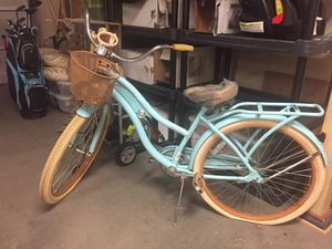 Nel Lusso bike with basket and lock, price negotiable for Sale in Lubbock, TX