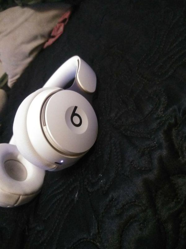 Beats Solo 3 Bluetooth headphones wireless