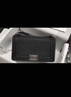 34a4428c9ff7 Chanel Black Herringbone Chevron Calfskin Boy Bag for Sale in San Leandro