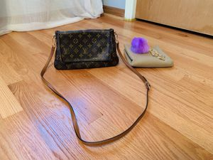 Authentic Louis Vuitton bag for Sale in Chicago, IL