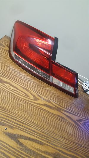 2013-2015 HONDA CIVIC Sedan Left Driver Side Inner And Outter Tail Lights OEM Used for Sale in Wilmington, CA