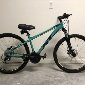 GT Laguna Pro Women's Mountain Bike Size Small for Sale in Grand Junction, CO