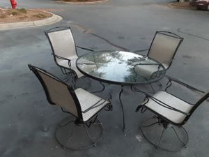 Beautiful patio set table and chairs 5 piece for Sale in Apex, NC