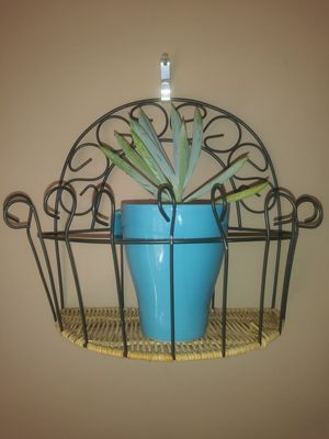 Small Wicker and metal plant hanger for Sale in Indian Trail, NC