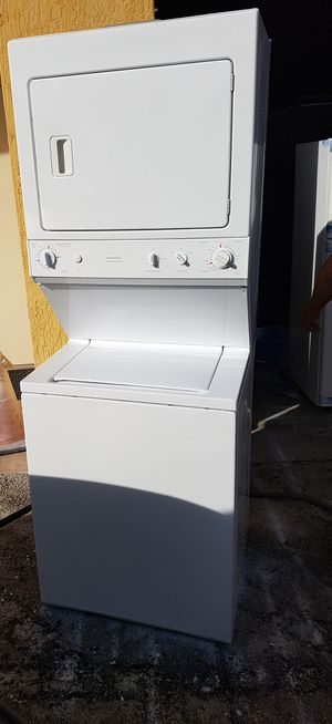 Stackable washer and dryer set for Sale in Miami, FL