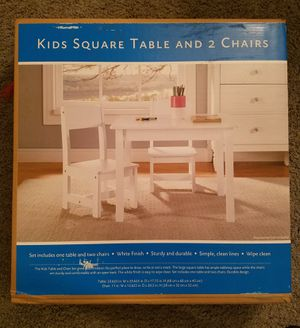 New Kids Wooden Table and Chairs Set for Sale in Troy, MI