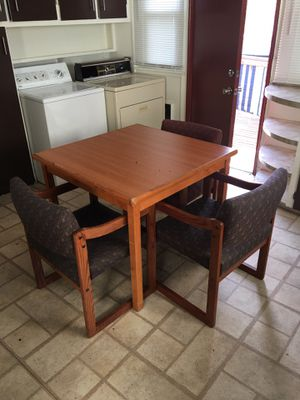 Kitchen table for Sale in Des Moines, WA