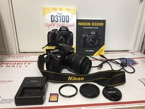 Nikon D3100 14.2MP Digital SLR Camera - Black (With AF-S DX VR 18-55mm Lens) 15,732 shutter count & 9 accessories for Sale in Houston, TX