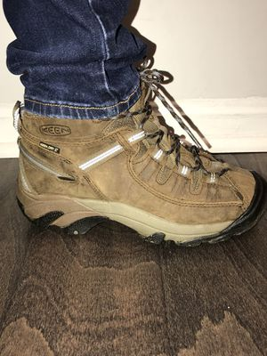 Keen shoes size 7.5 for Sale in Gaithersburg, MD