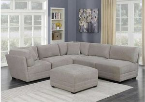 Lenora 6-piece Fabric Modular Sectional New in Box. From Costco for Sale in Industry, CA