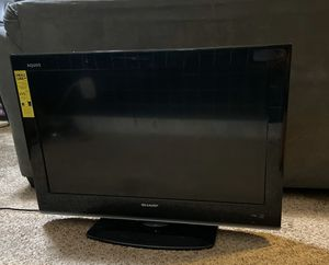 Sharp Aquos 32 inch tv for Sale in Bloomington, CA