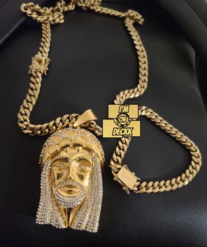 🚨🚨🚨 14k Gold plated Cuban link set 🚨🚨🚨 I Deliver for Sale in Miami, FL