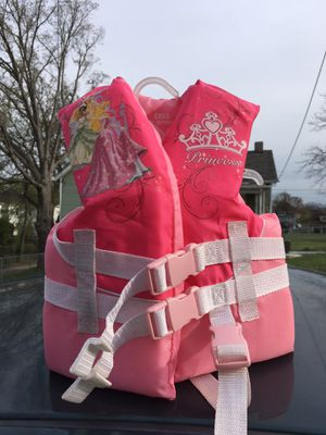 Child's life jacket 30-50 lbs for Sale in Roanoke, VA
