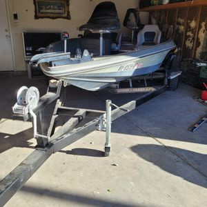 1983 cheetah bass boat for Sale in Las Vegas, NV