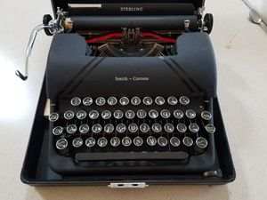Vintage Smith Corona Typewriter for Sale in Fountain Hills, AZ