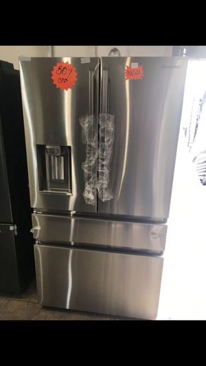 Samsung Refrigerator Stainless Steel New!!!!! for Sale in Los Angeles, CA