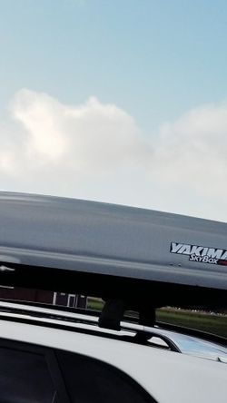 Yakima SkyPro cargo Box for Sale in Joint Base Lewis-McChord,  WA