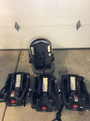 Graco Click Connect 35 Car Seat and 3 bases for Sale in Livermore, CA