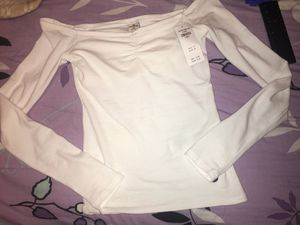 Hollister shirt XS for Sale in Harrisonburg, VA