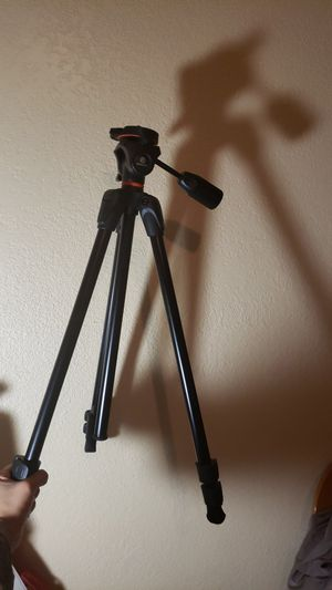Photography tripod for Sale in Phillips Ranch, CA