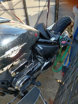 Suzuki Boulevard C50 motorcycle mede in Japan 2008 year 8000 miles$600.00 obbo for part no document for Sale in Los Angeles, CA