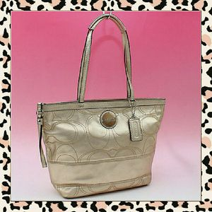 👜Coach Signature Stitch Tote Bag F18877 for Sale in Portland, OR