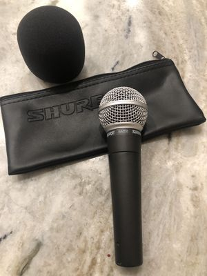 Shure SM58 with wind screen an Bag for Sale in Fort Lauderdale, FL