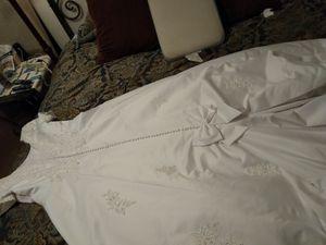 Wedding dress David's bridal size 18 for Sale in Birmingham, AL