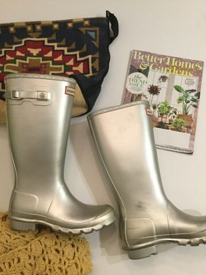 Silver hunter rain boots size 6 for Sale in Dana Point, CA
