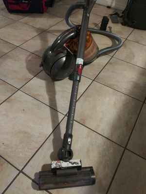 Dyson vacuum for Sale in Lake Alfred, FL