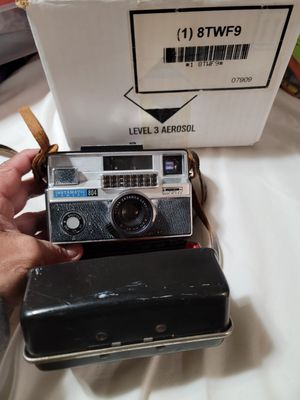 Old school Kodak camera for collection for Sale in Princeton, FL